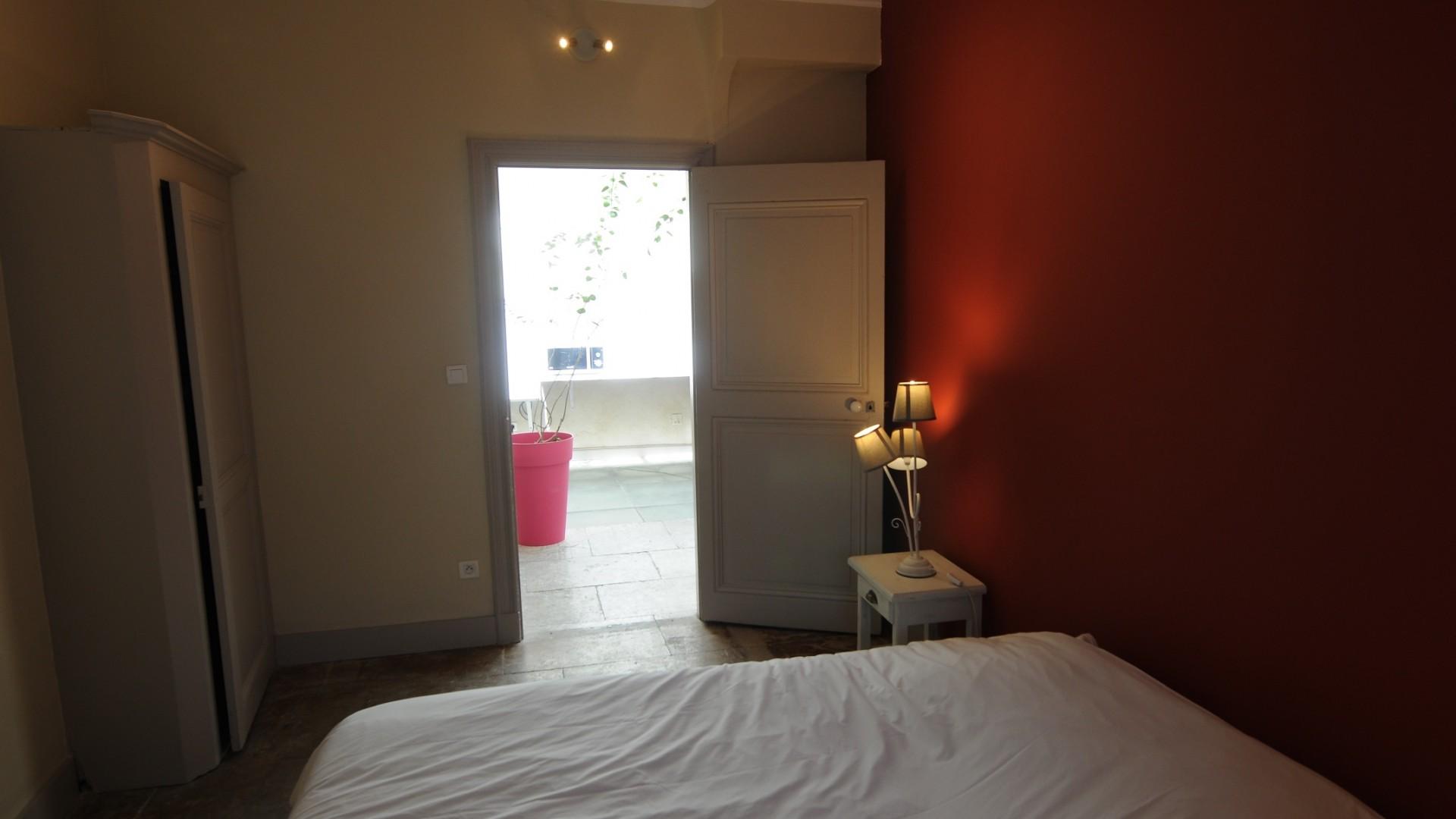 Bedroom on the corridor & courtyard