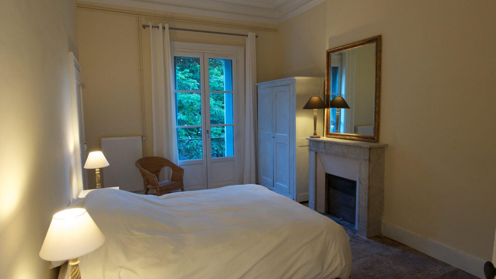 Chambre 2 sur le jardin
